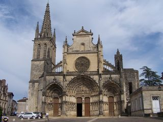 img_variables/monuments/cathedrale_bazas.jpg